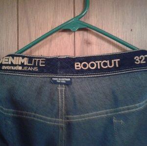 Women's jeans 32W Avenue
